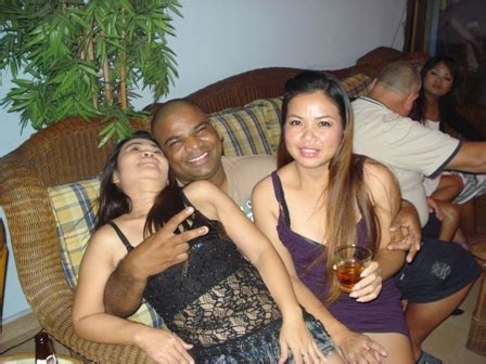 Happy People - Paradise Bar and Guesthouse Pattaya