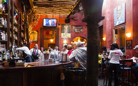 Hank's New Orleans Cafe & Oyster Bar   Travel + Leisure