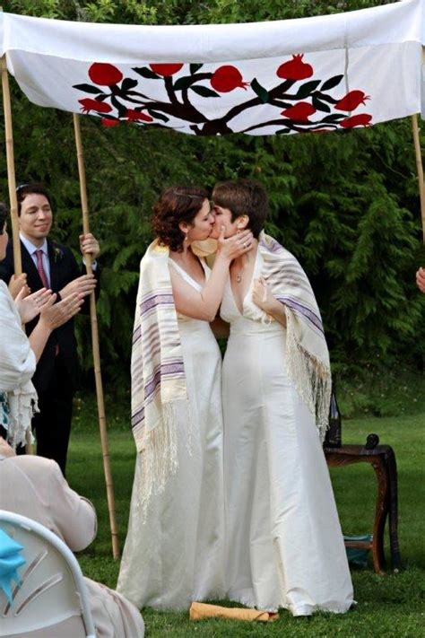 Lesbian Wedding: Laura and Rachel   A Bicycle Built For Two