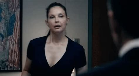 Ashley Judd GIFs - Find & Share on GIPHY