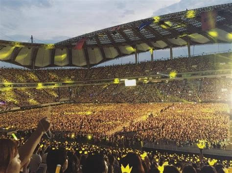 [Pann] Artists who've performed at Jamsil Stadium so far